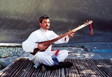 Mukhtor Muborakqadomov © Sebastian Schutyser / Aga Khan Music Initiative
